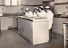 black and white photograph of the Central Syringe Service, Glasgow Royal Infirmary, 1964