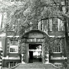Main Entrance, Chelsea College, Manresa Road