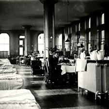 A 'Nightingale ward' at St Thomas's Hospital ca. 1910-17 [College Archives StTs ward THpp3vol4107]. This photograph shows the architecture of the ward well: the beds well apart, interspersed by windows, and the specialist heaters mid-ward, which created up-currents of hot air to aid the removal of vitiated air, and the circulation of fresh air.
