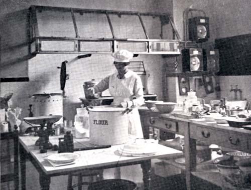 Teaching Kitchen, C 1920 Teaching Kitchen, C 1920Kingu0027s ...
